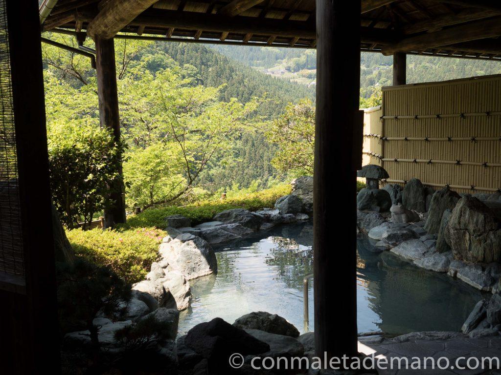 Hotel Kazurabashi. Onsen exterior, zona de mujeres