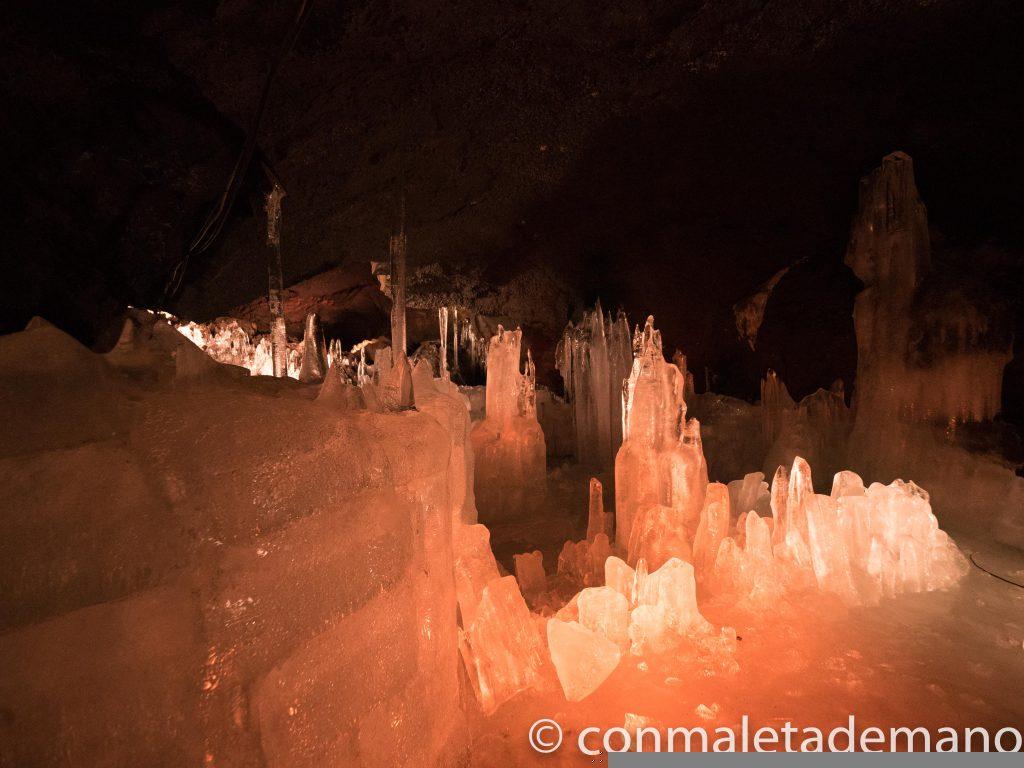 Interior de la Cueva de Hielo