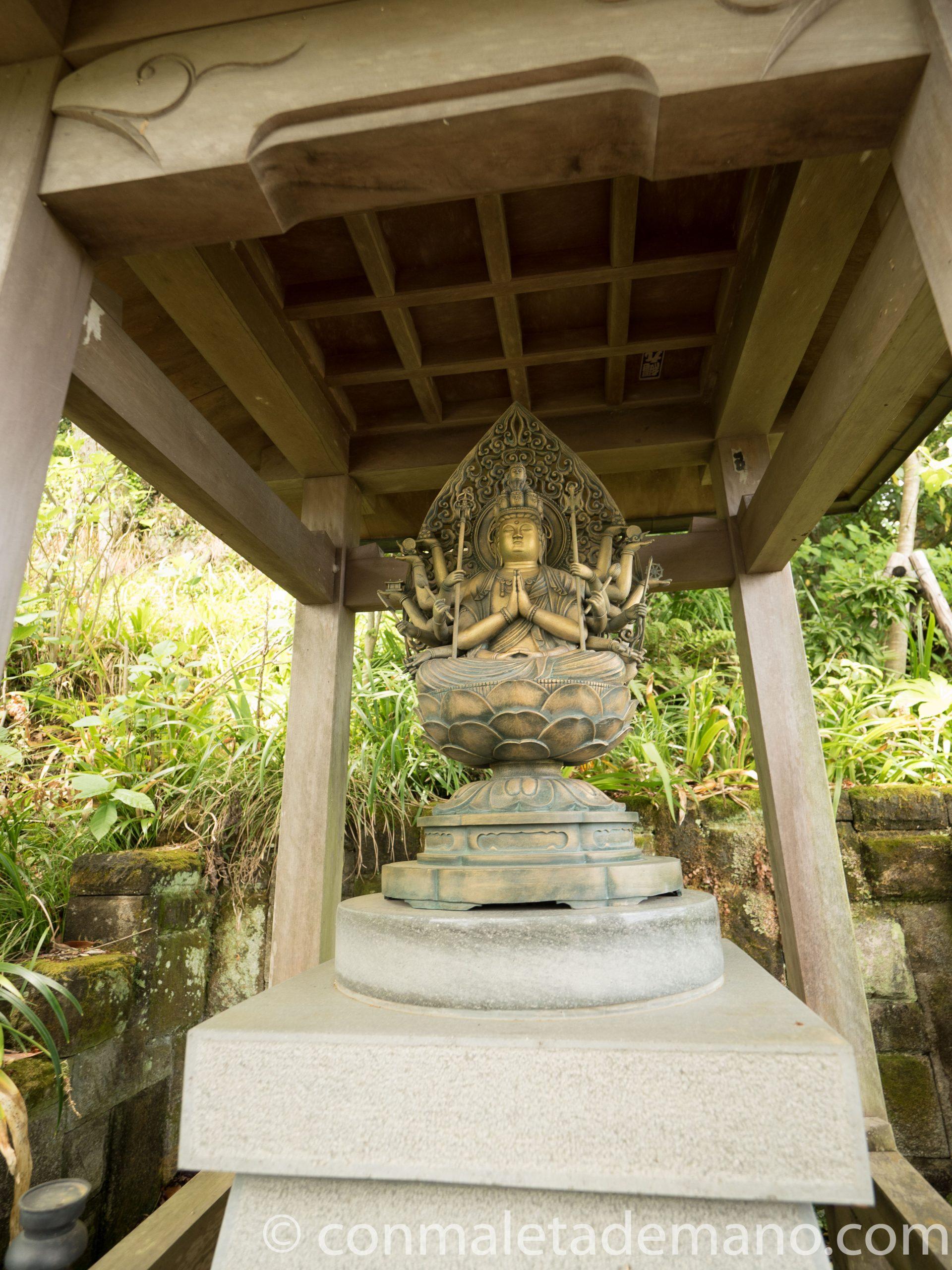 Estatua de la Diosa Kannon, en el Hase-dera