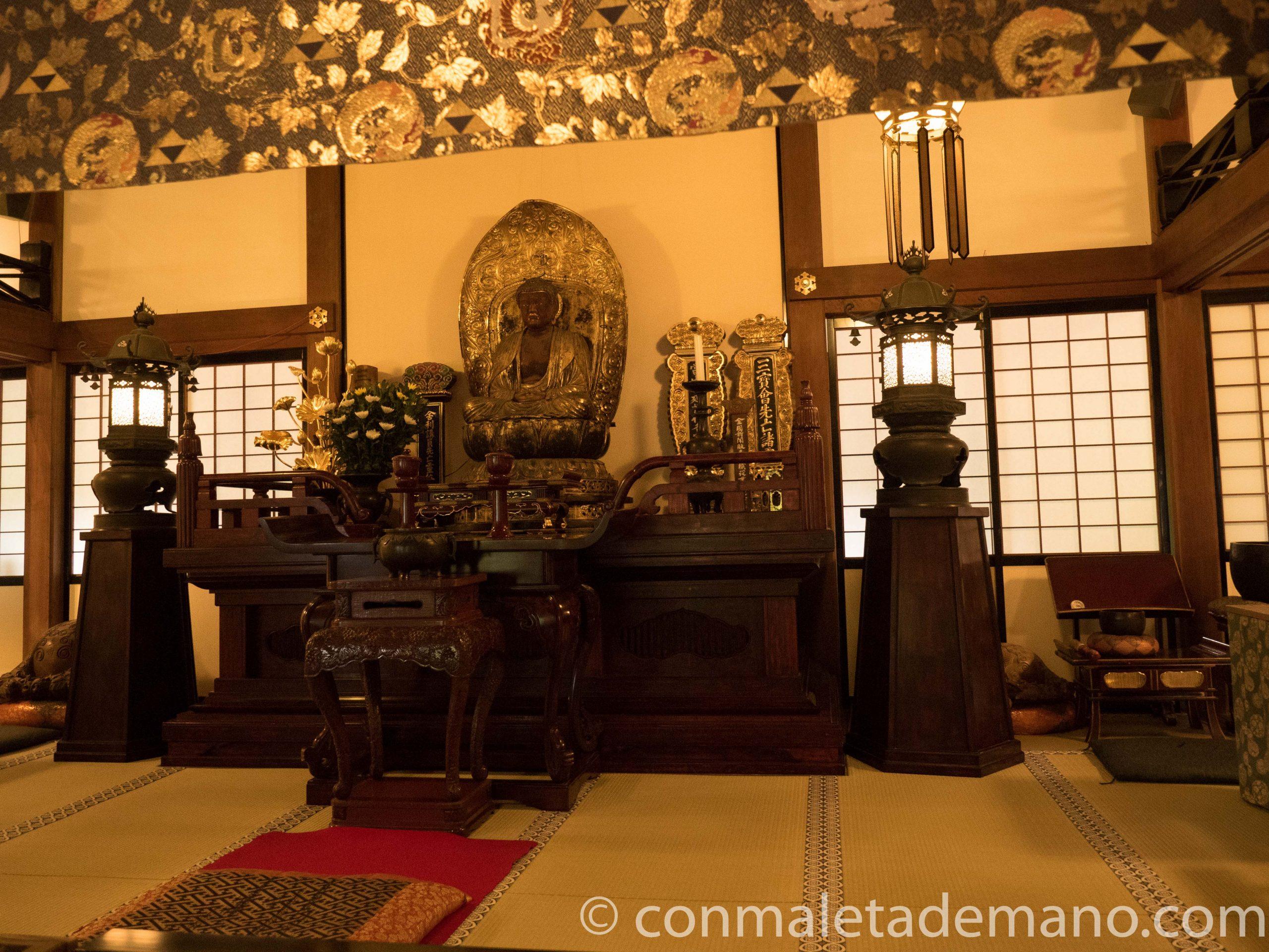 Interior del edificio principal del Engakuji, en Kamakura