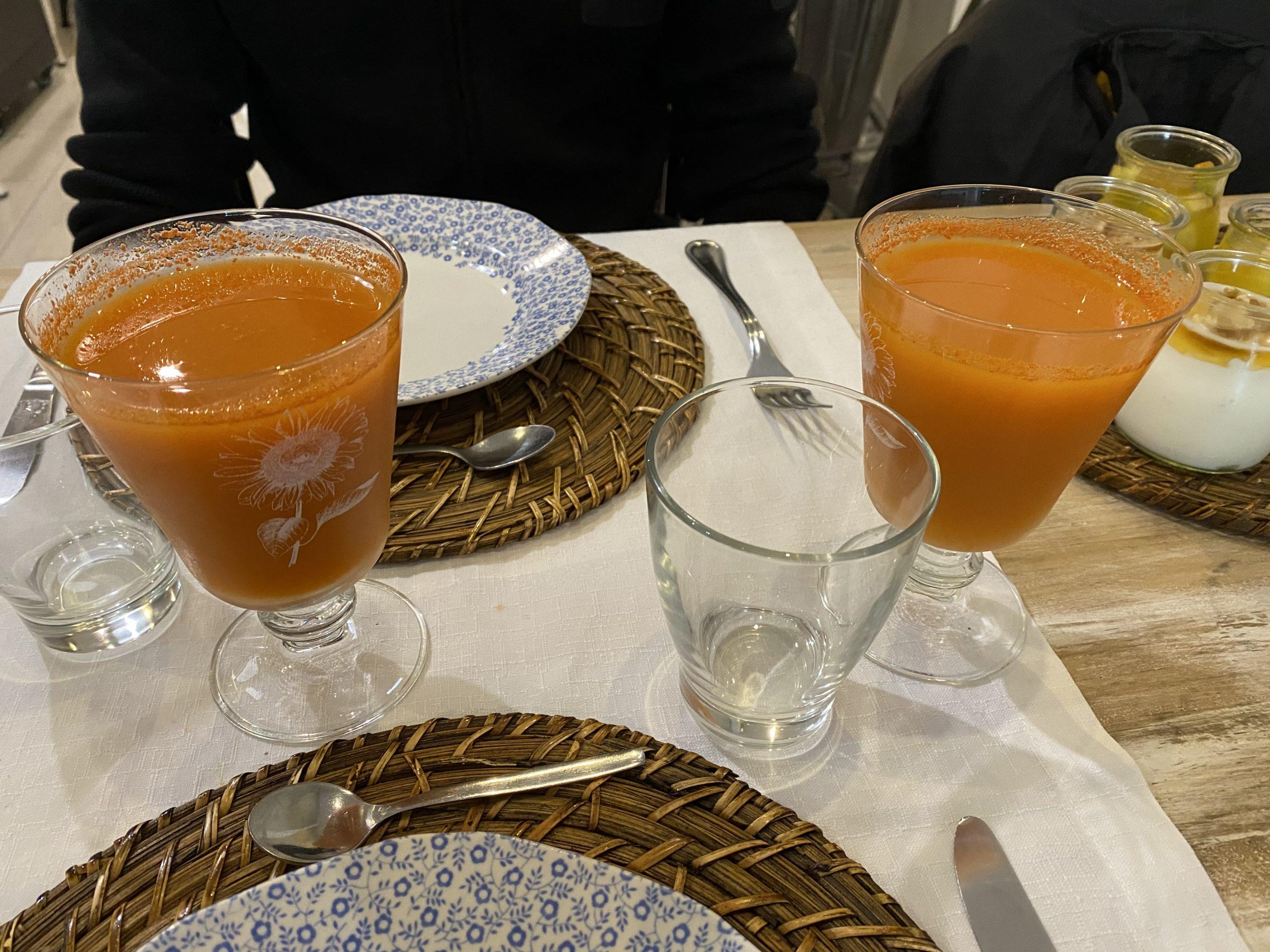 Zumos naturales de zanahoria, naranja y jengibre