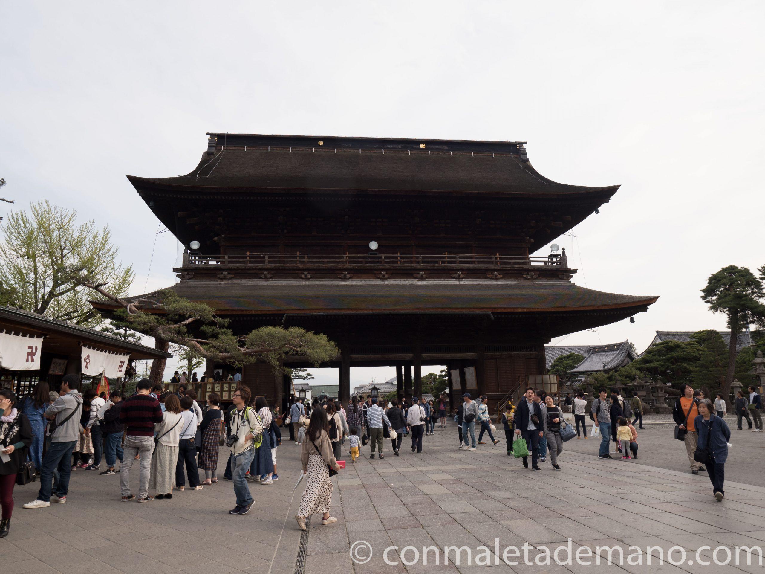 Uno de los edificios del Templo Zenkoji, en Nagano