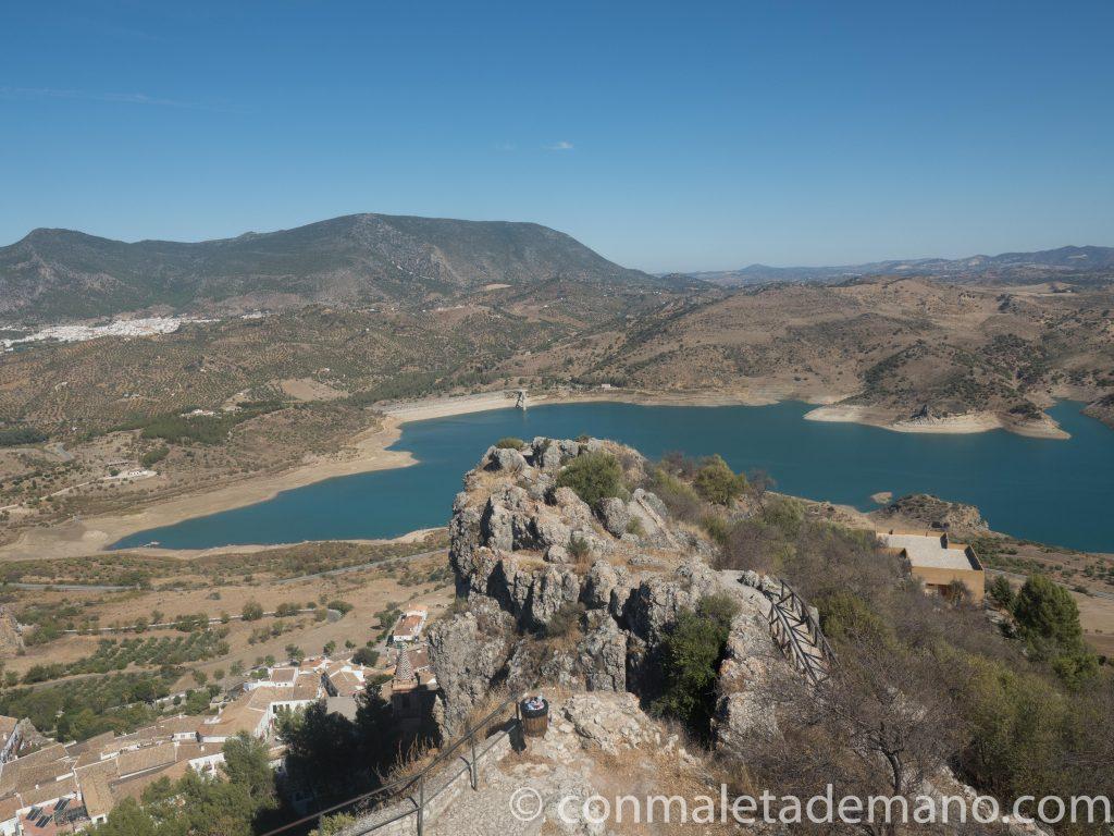 Vistas desde lo alto del Castillo de Zahara de la Sierra