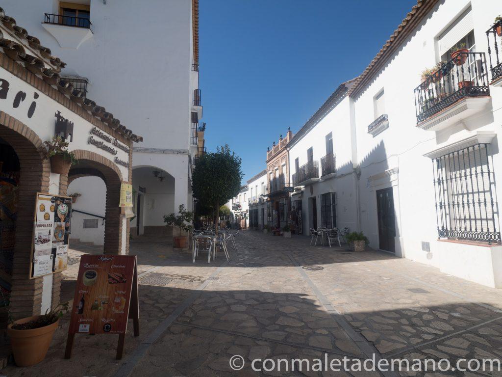 Calle Ronda, en Zahara de la Sierra