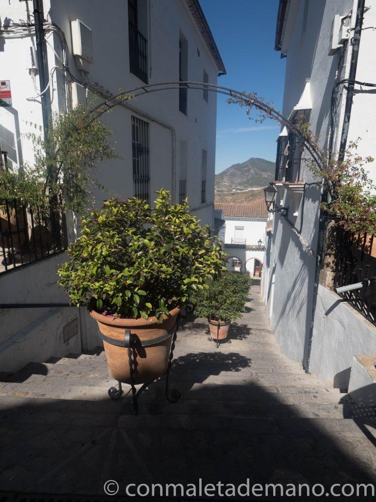 Calle perpendicular a la Calle Ronda